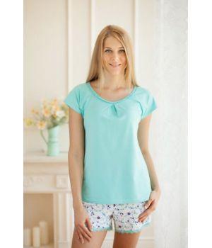 Блузка и шорты женские